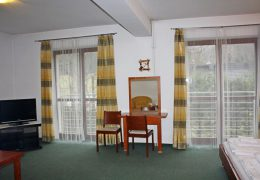 2-bedroom apartment (4 – 6 persons)