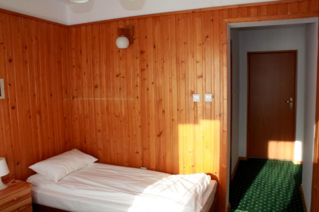 Traditional 2-person room